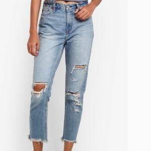 Abercrombie Ankle High Rise Girlfriend Jean